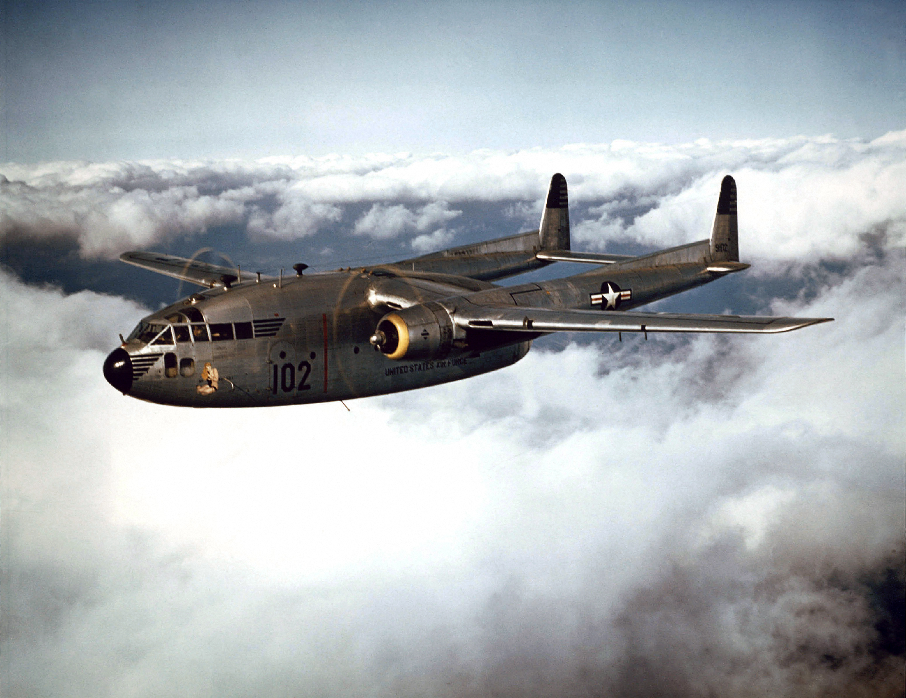 Fairchild_C-119B_of_the_314th_Troop_Carrier_Group_in_flight,1952(021001-O-9999G-016).jpg