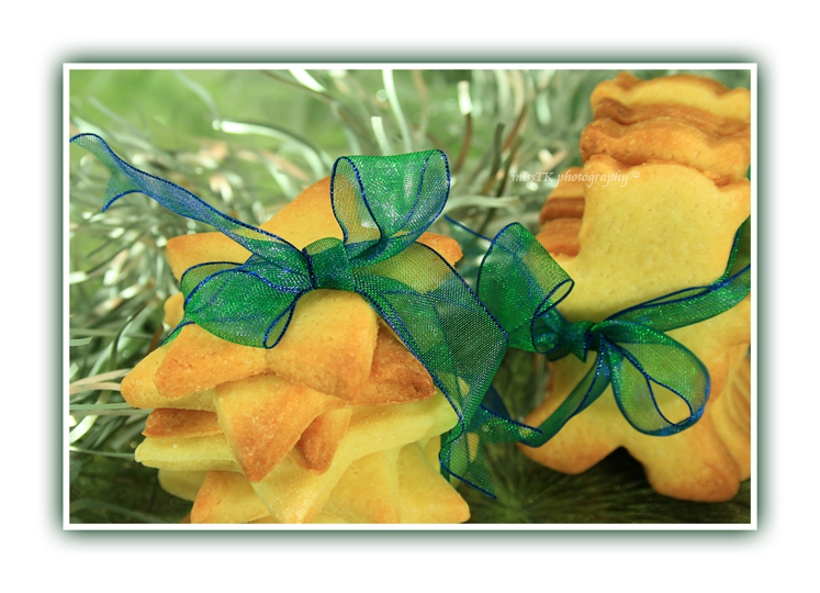 Cookies and the green ribbon