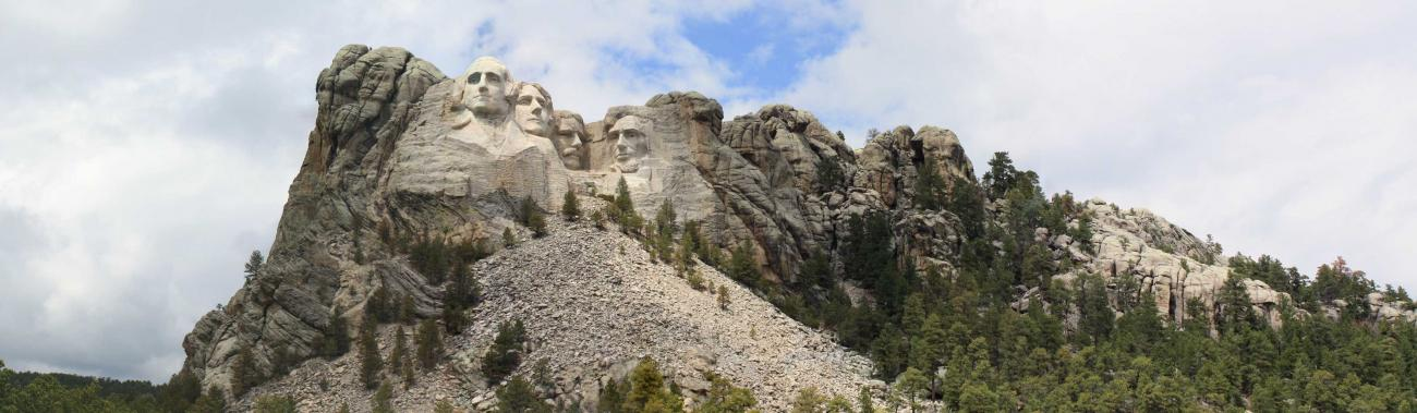 Mount Rushmore in the Morning Light by vedek