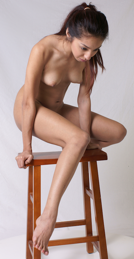 full-figure-model-nude