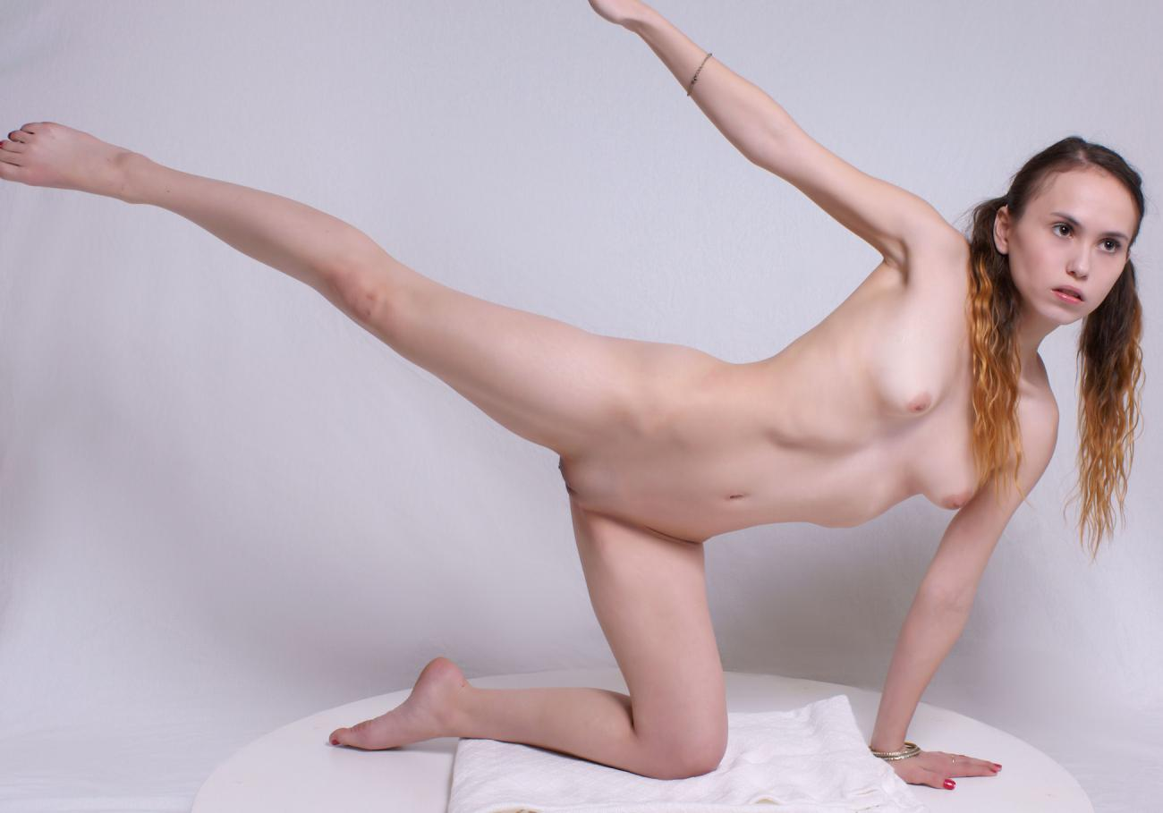 Nude Female Figure Models
