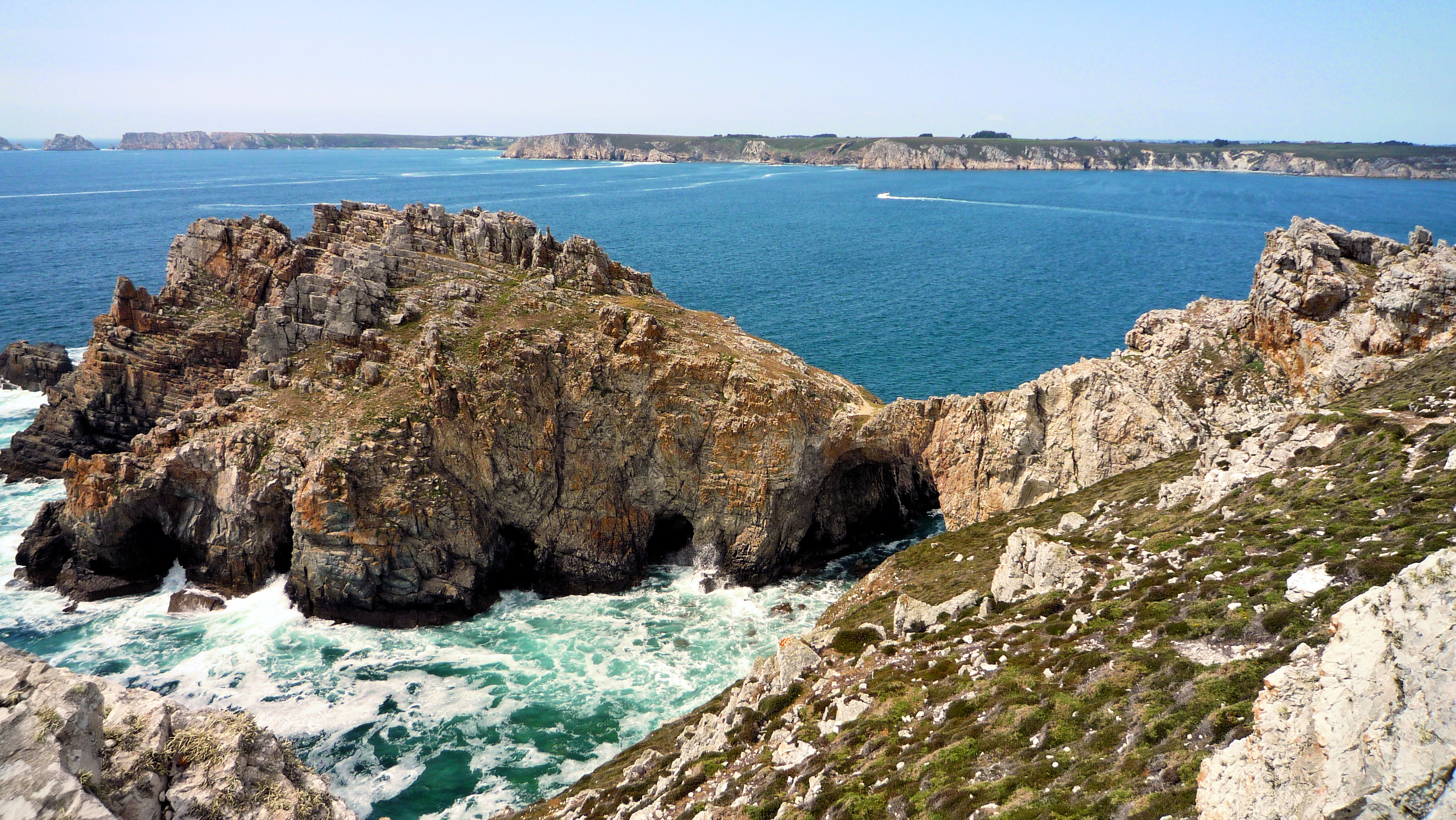 Rocks and sea - Peninsula of Crozon - Brittany 1