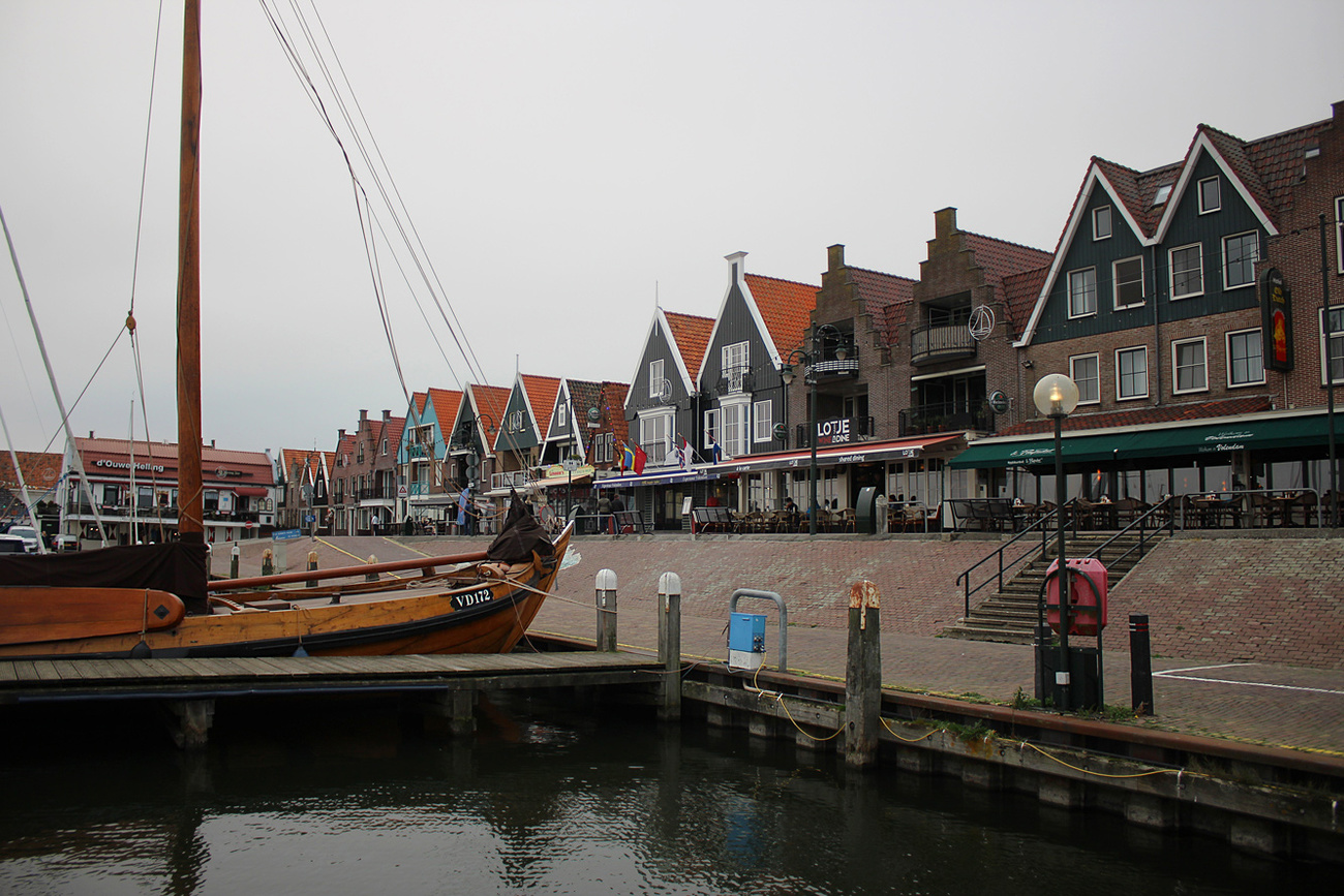 Another view of Volendam.