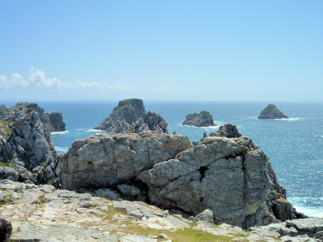 The piles of peas (Pen Hir Point)