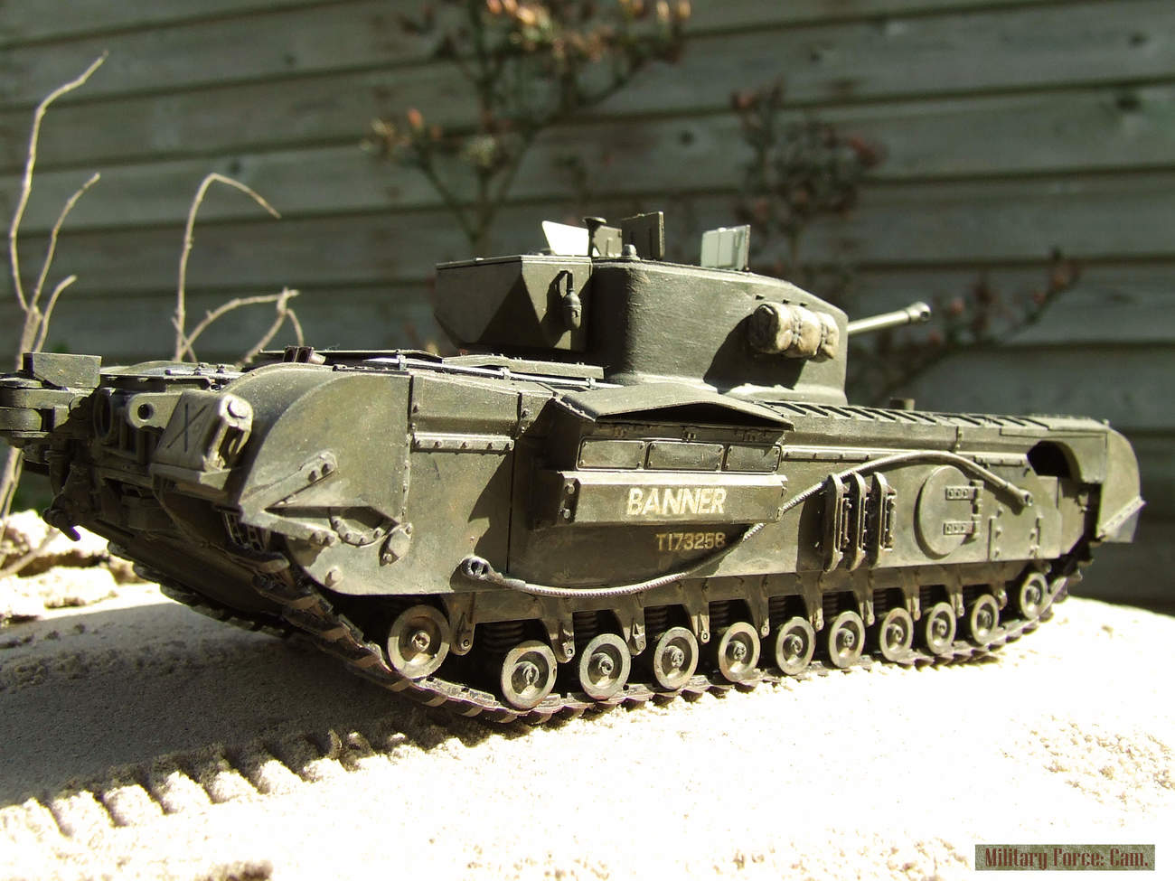 Churchill Crocodile with flame thrower.(2).