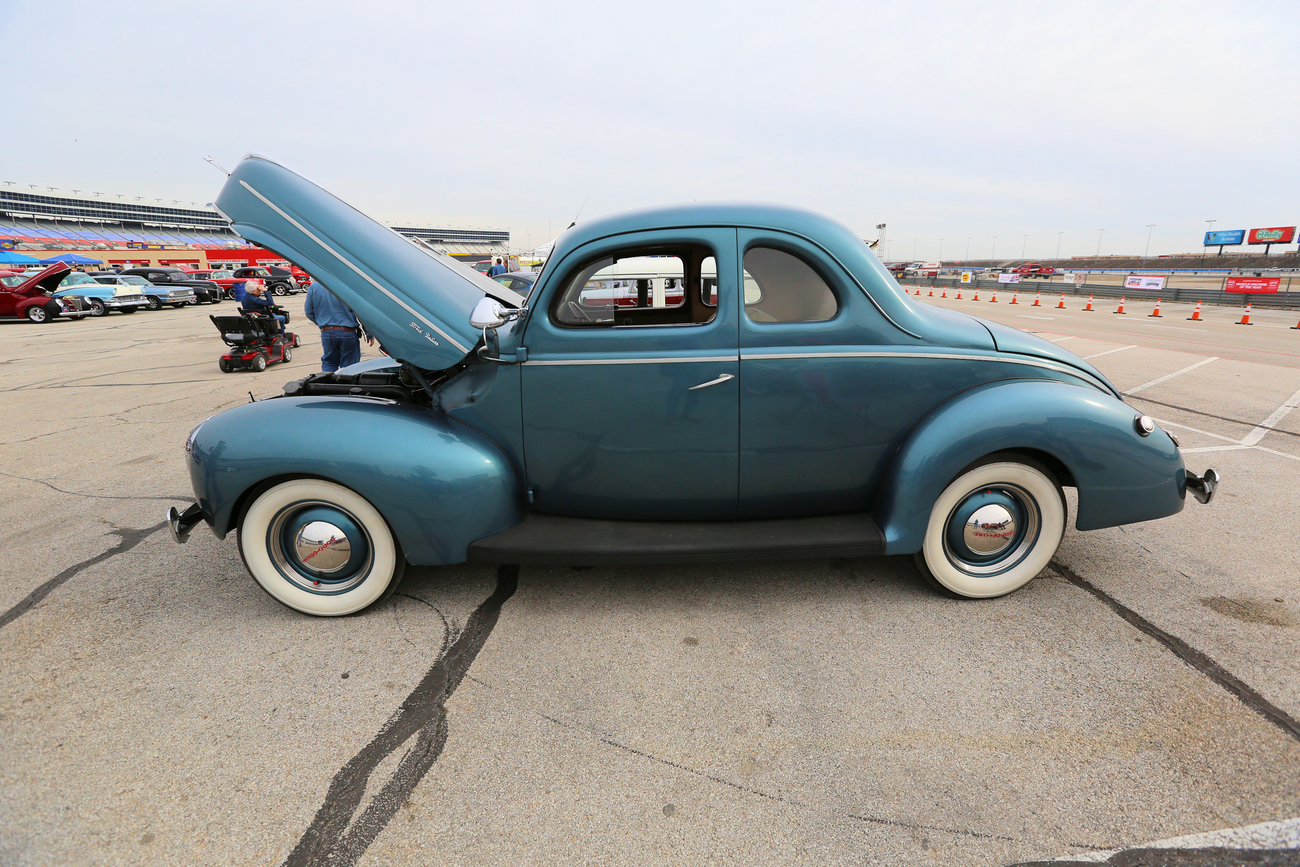 1940 Ford Coupe 85HP Flathead 3 speed