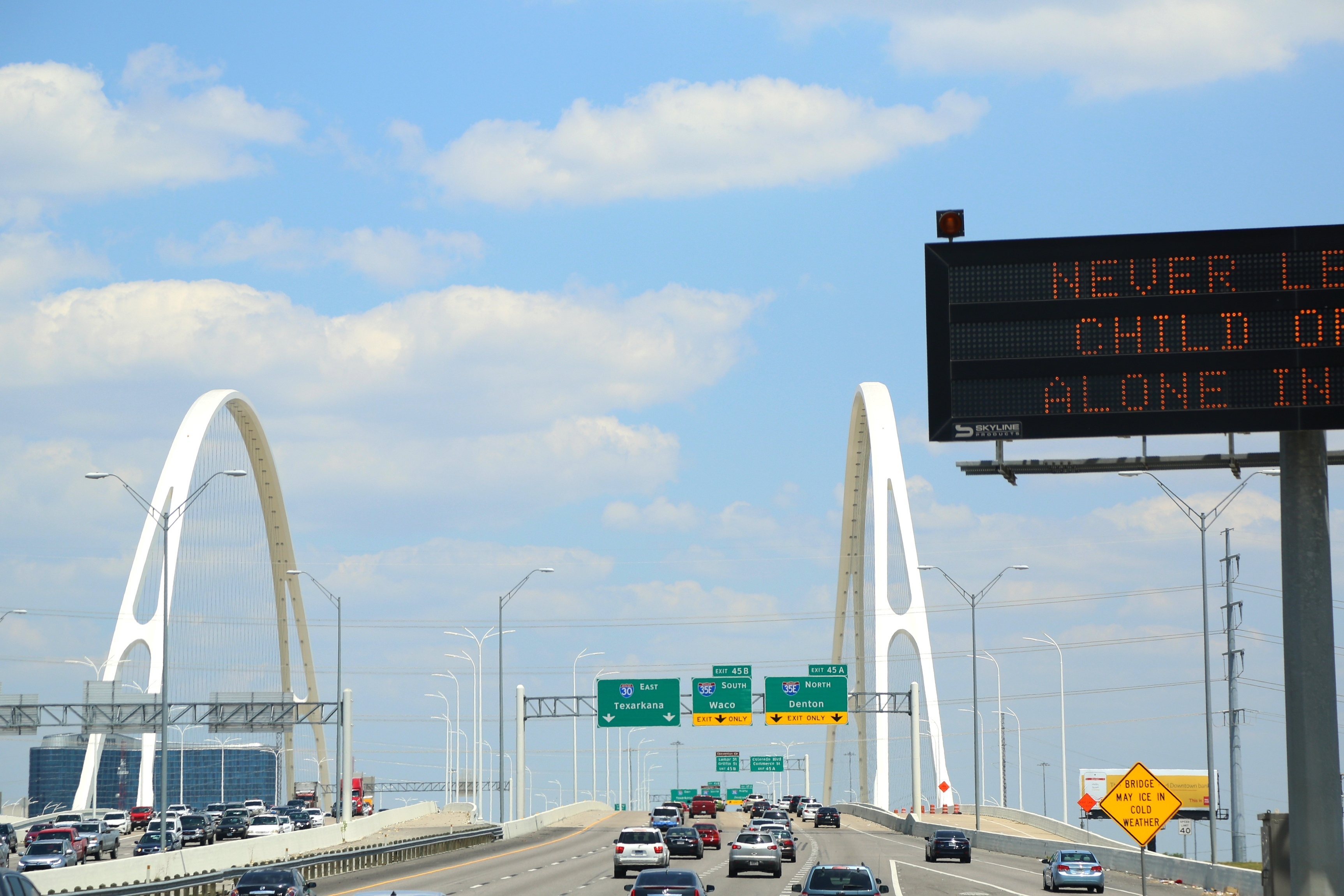 most recent new interstate bridge in Dallas